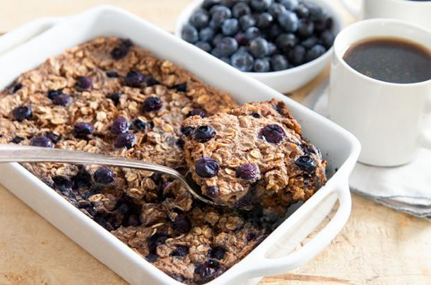 Banana Berry Baked Oats Squares in a casserole dish