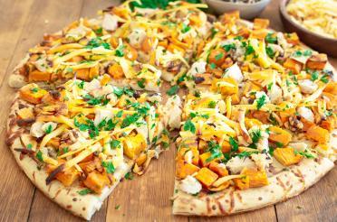 Sweet potato, Gouda, chicken pizza