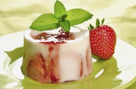 Creamy Strawberry Panna Cotta