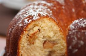 Spiced Apple Bundt Cake