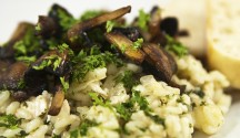Smoked Gouda Risotto with Kale and Mushrooms