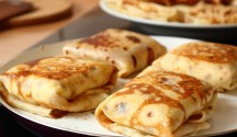 Blintzes Stuffed with Sweetened Ricotta