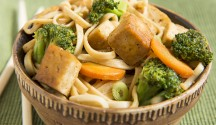 Gingered Broccoli and Tofu Noodle Bowl